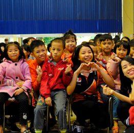 Hành trình mang yêu thương sẻ chia với cộng đồng