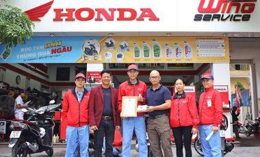 Honda Vũ Hoàng Lê vinh dự được vinh danh và trao thưởng vì thành tích tốt trong hoạt động